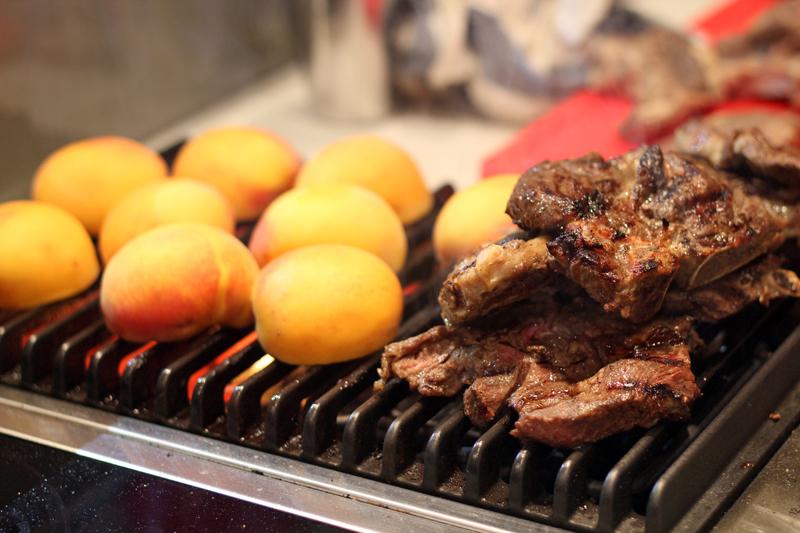 Összhang a grillen - barack és bárányborda