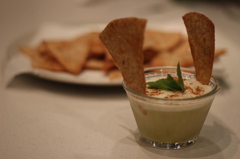 Lime sorbet, kókusztejes tejszín pirított chapatti