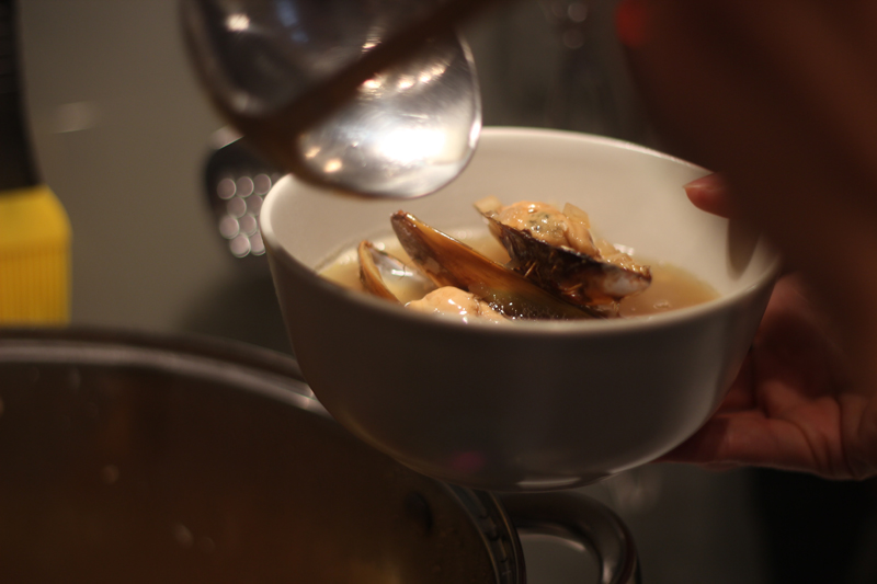 Zöldkagyló leves limeal és fehérborral